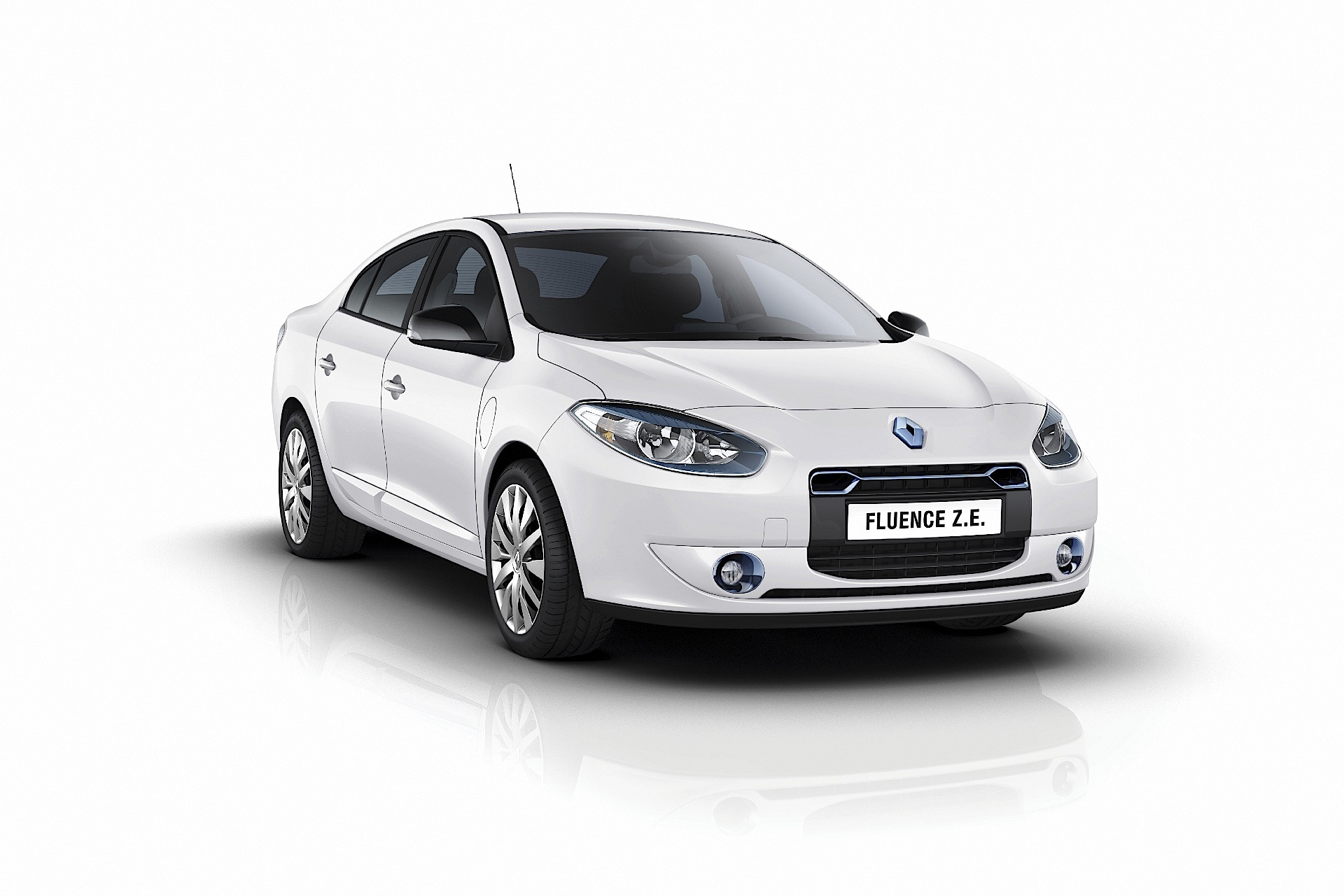 Renault Fluence Ze Specs Amp Photos 2009 2010 2011 2012