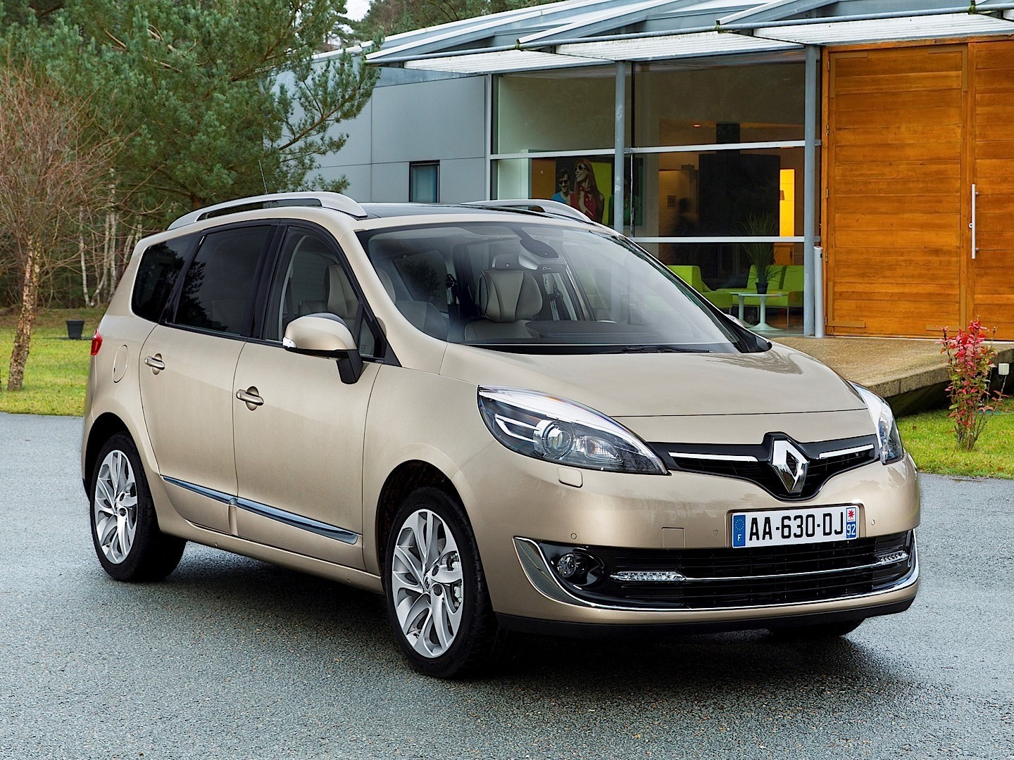 renault grand scenic 2013 2014 2015 2016 2017 autoevolution. Black Bedroom Furniture Sets. Home Design Ideas
