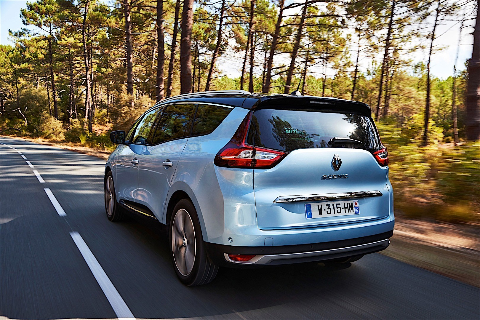 RENAULT Grand Scenic specs & photos - 2016, 2017, 2018 ...