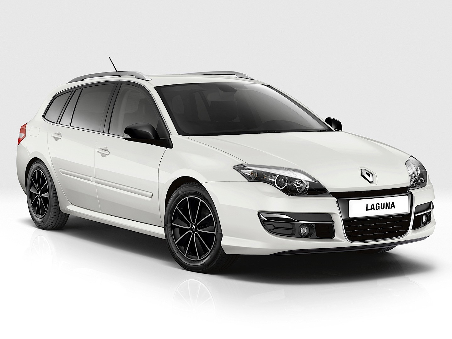 renault laguna estate specs 2010 2011 2012 2013 2014 2015 2016 autoevolution. Black Bedroom Furniture Sets. Home Design Ideas