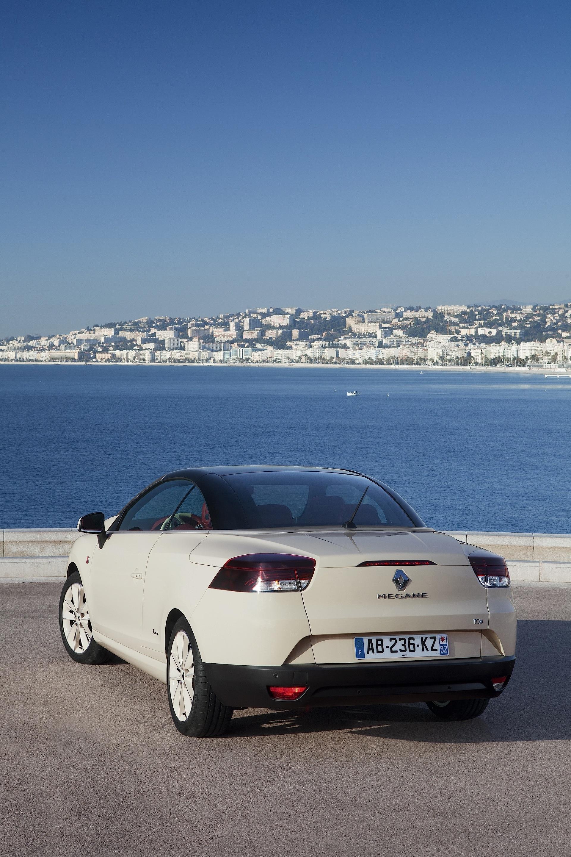 renault megane coupe cabrio 2010 2011 2012 2013 autoevolution. Black Bedroom Furniture Sets. Home Design Ideas