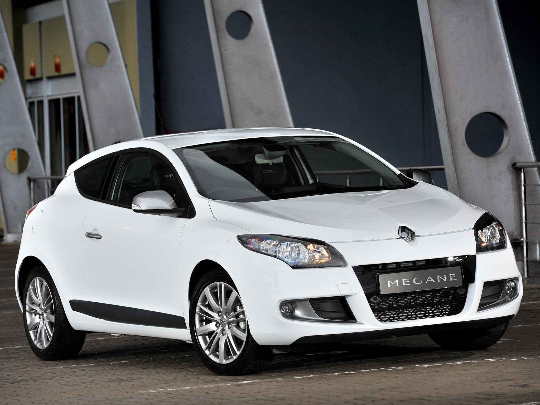 renault megane gt 3 doors specs photos 2010 2011 2012 2013 autoevolution. Black Bedroom Furniture Sets. Home Design Ideas