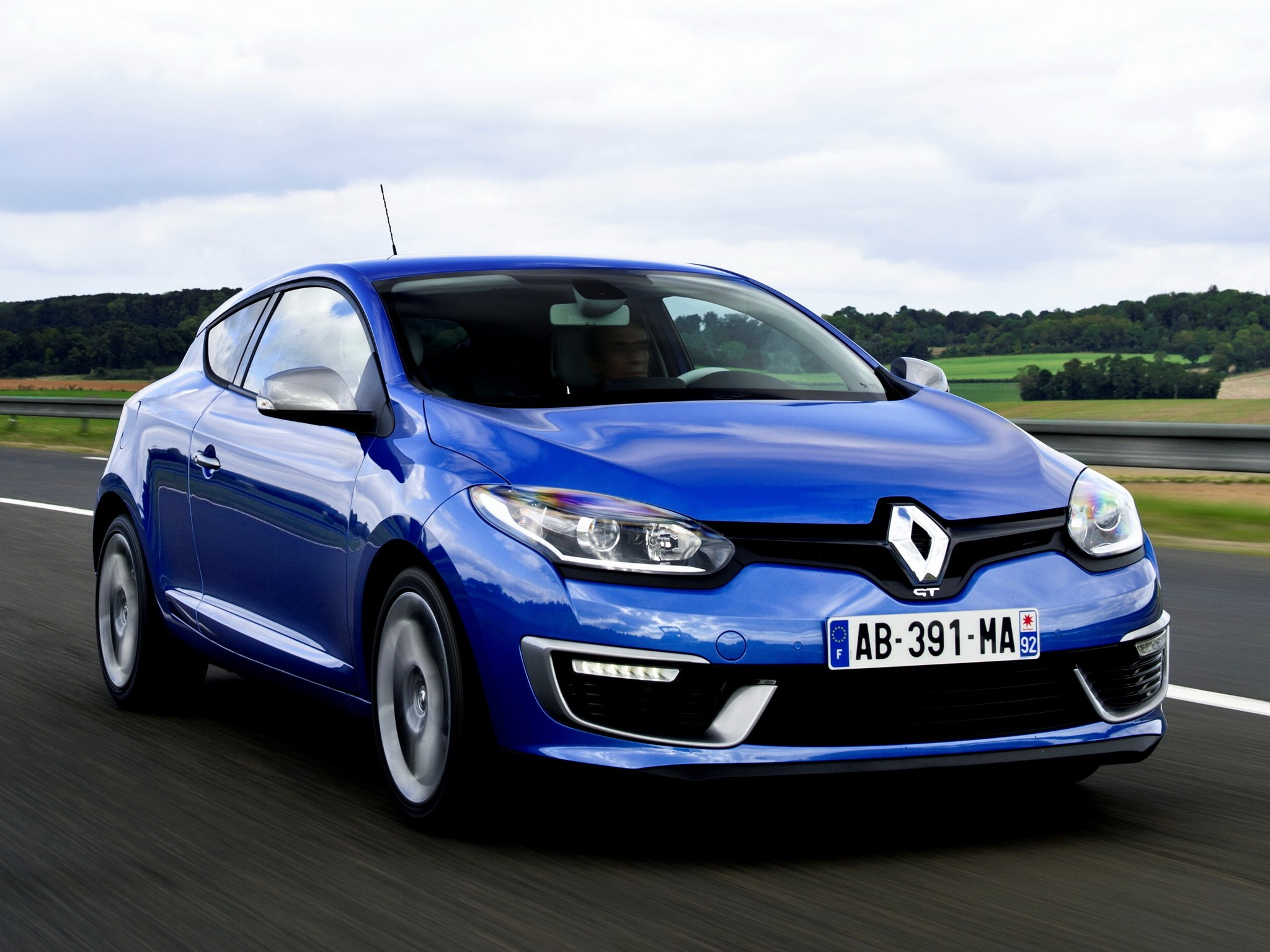 renault megane gt 3 doors specs 2013 2014 2015 autoevolution. Black Bedroom Furniture Sets. Home Design Ideas