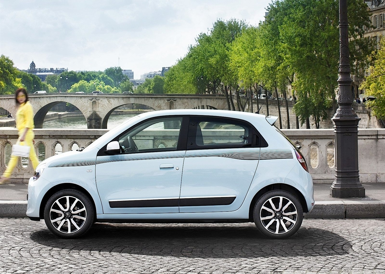 renault twingo 2014 2015 2016 autoevolution. Black Bedroom Furniture Sets. Home Design Ideas