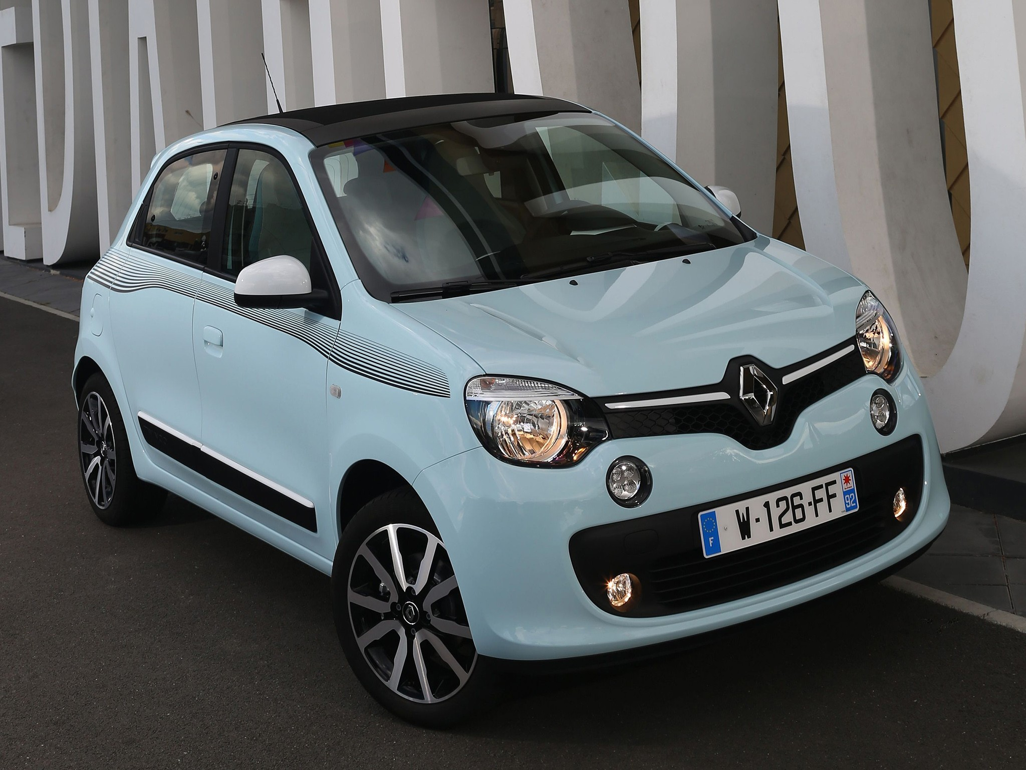 renault twingo specs 2014 2015 2016 2017 autoevolution. Black Bedroom Furniture Sets. Home Design Ideas