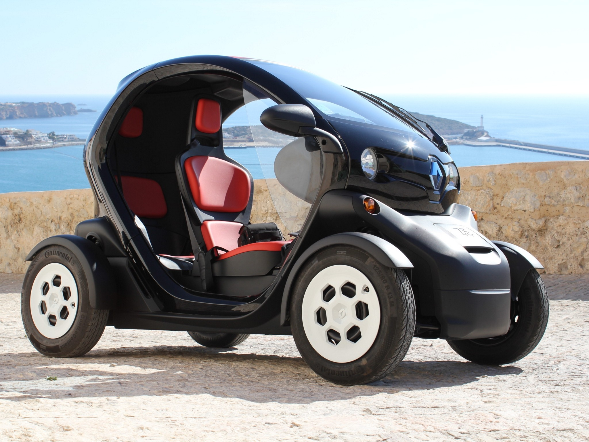 renault sandero with Renault Twizy 2012 on Watch further Watch also Primele Imagini Cu Dacia Sandero 2019 furthermore Dacia Sandero 2016 Publicidad Honesta additionally Renault Twizy 2012.