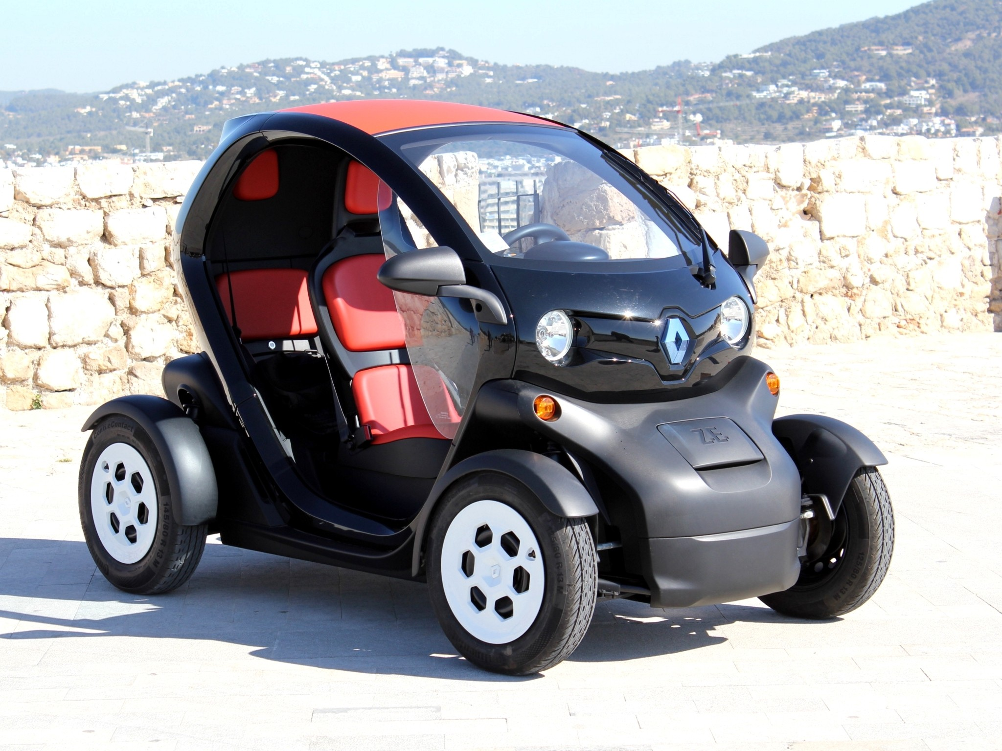 renault twizy specs 2012 2013 2014 2015 2016 2017 2018 autoevolution. Black Bedroom Furniture Sets. Home Design Ideas