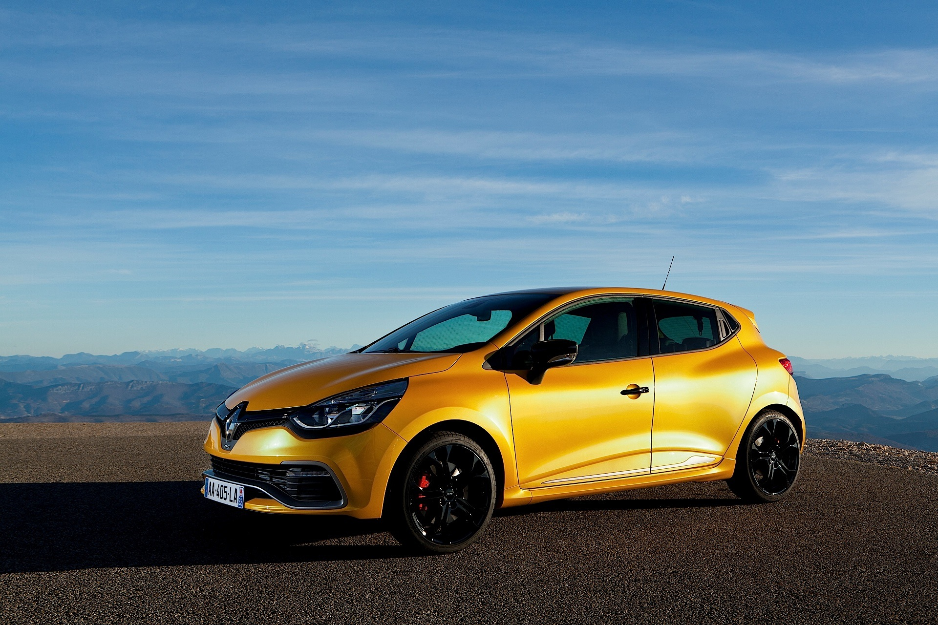 renault clio rs 2013 2014 2015 2016 2017 autoevolution. Black Bedroom Furniture Sets. Home Design Ideas
