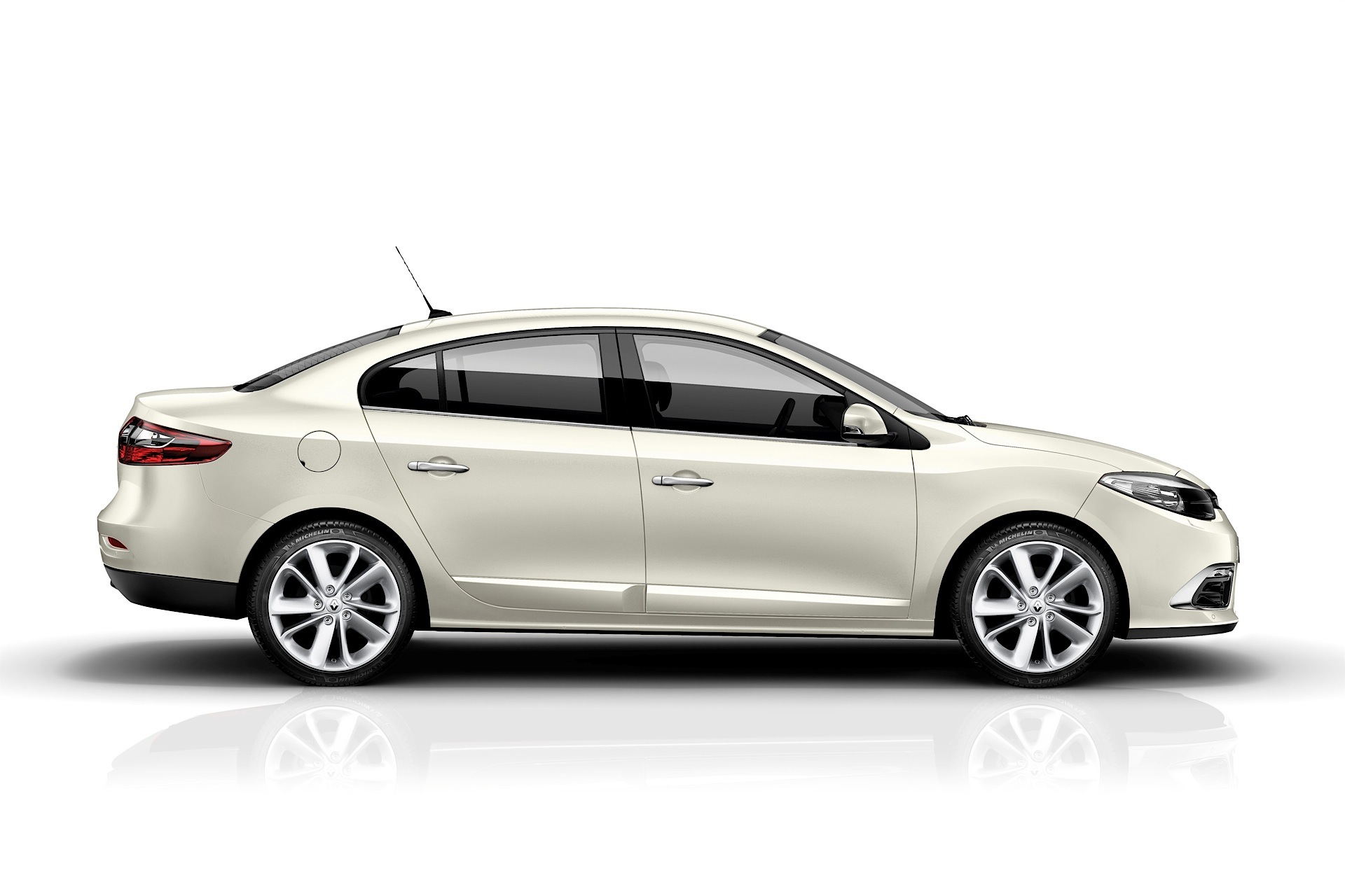 2013 Renault Fluence Prices in Qatar, Gulf Specs & Reviews for ...