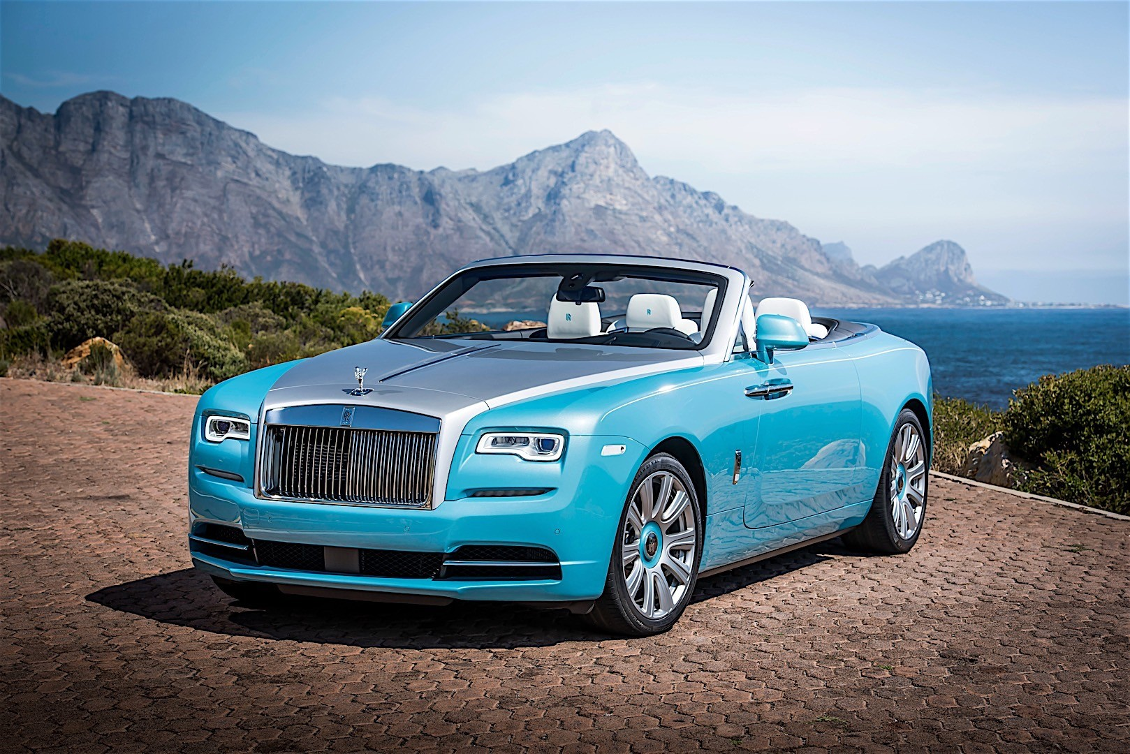 ROLLS-ROYCE Dawn Specs & Photos