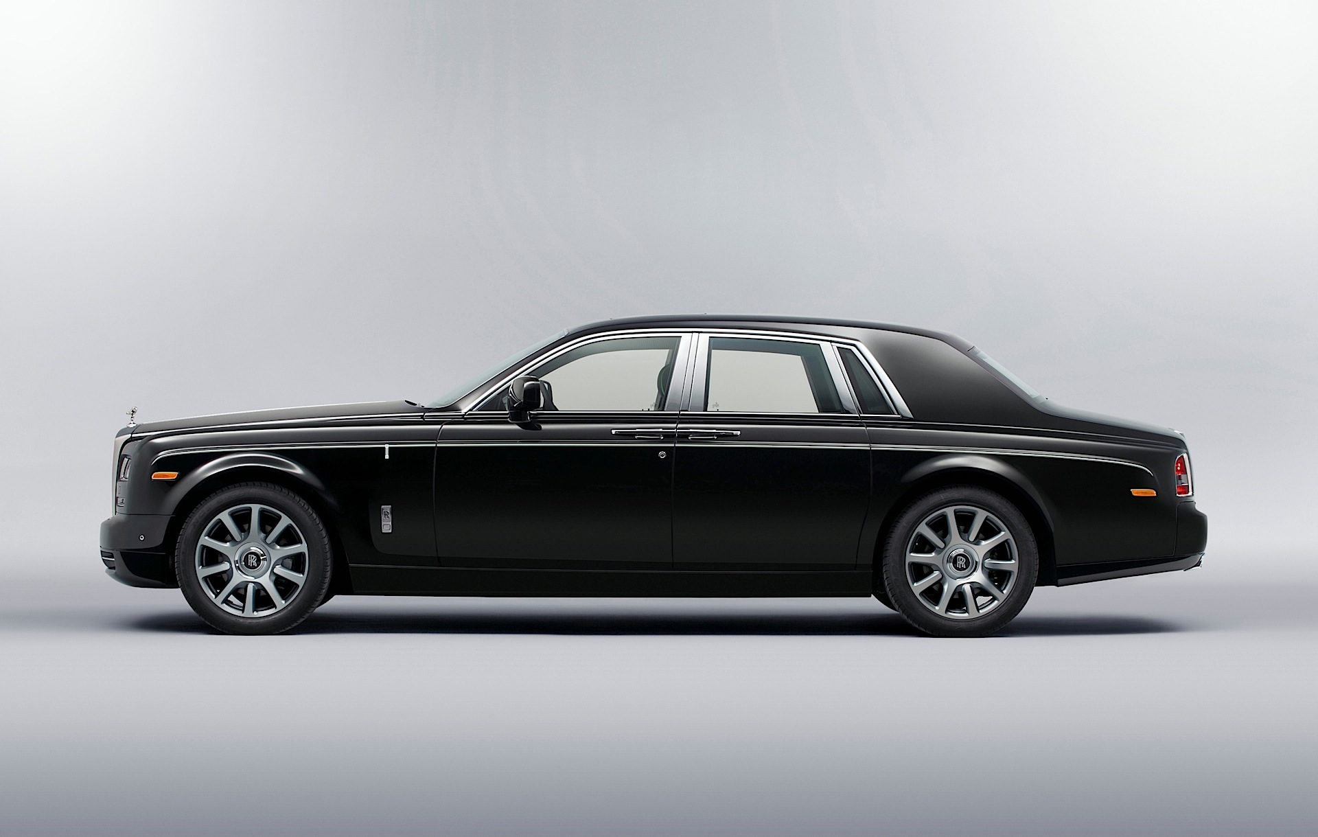 rolls royce phantom 2003 2004 2005 2006 2007 2008 2009 2010 2011 2012 2013 2014. Black Bedroom Furniture Sets. Home Design Ideas