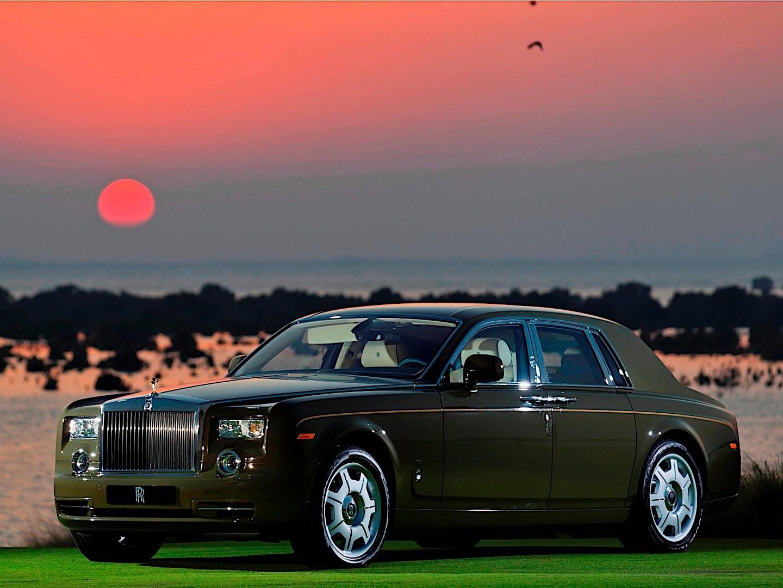 Led Lights For Cars >> ROLLS-ROYCE Phantom specs & photos - 2009, 2010, 2011 ...