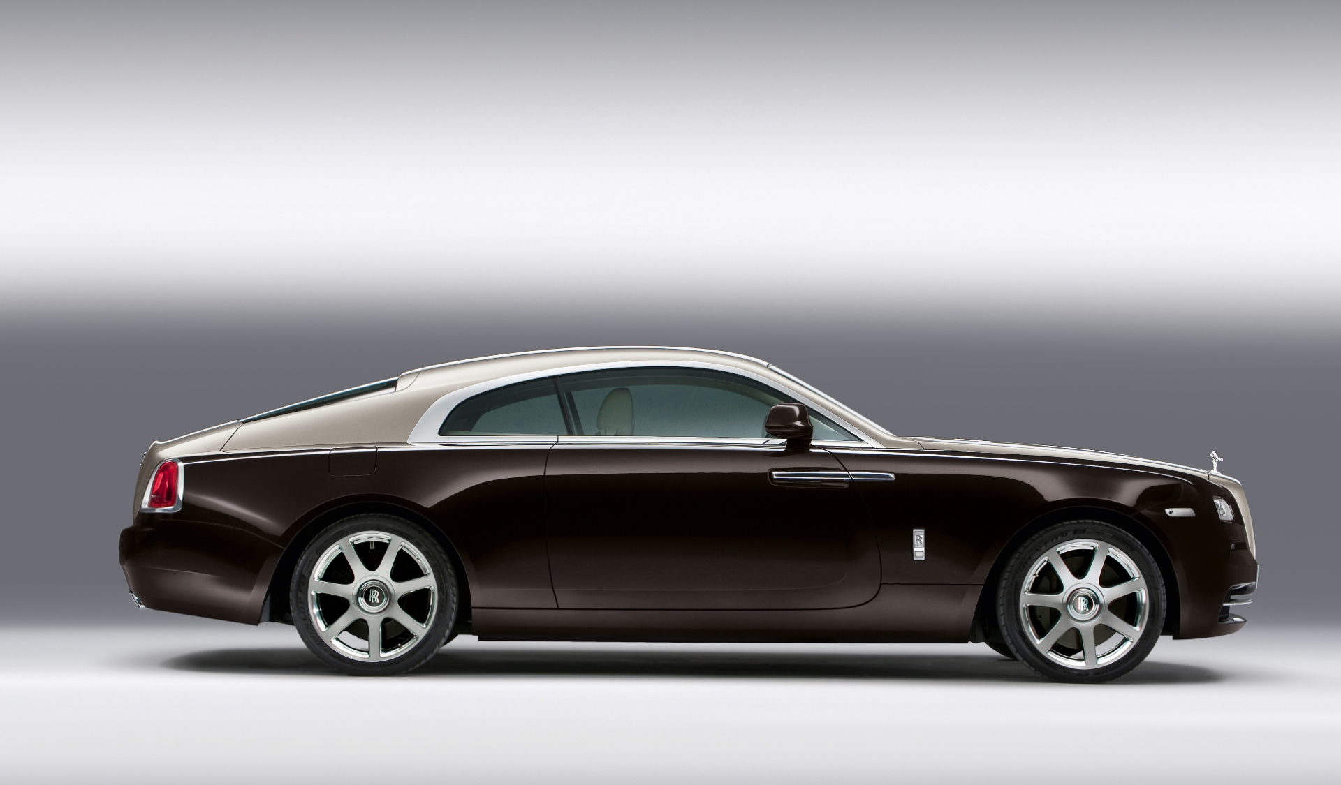 rolls royce wraith specs 2013 2014 2015 2016 2017 2018 autoevolution. Black Bedroom Furniture Sets. Home Design Ideas