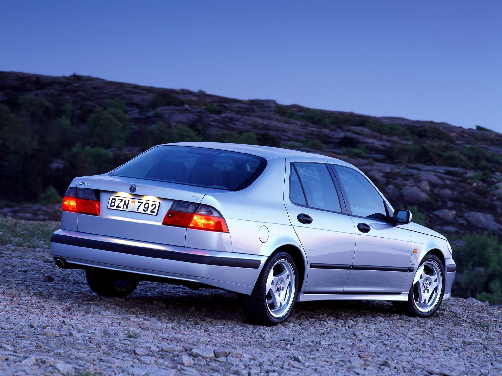 Saab on 2000 Saab 9 5 Aero