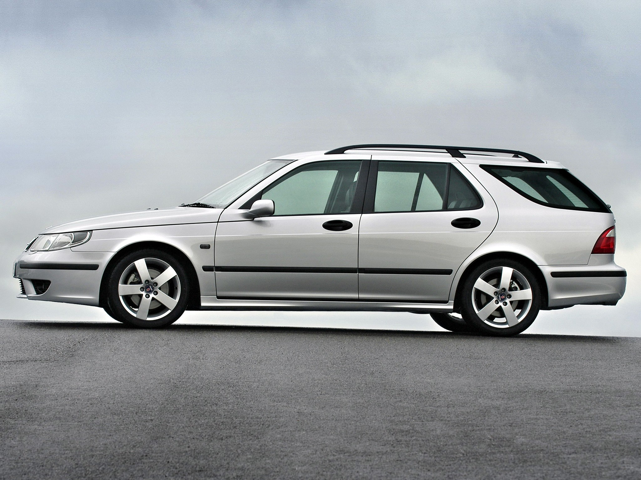 saab 9 5 sportcombi specs 2001 2002 2003 2004 2005 autoevolution. Black Bedroom Furniture Sets. Home Design Ideas