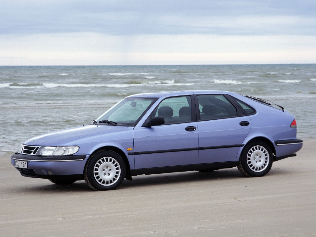 Saab 900 Specs  U0026 Photos