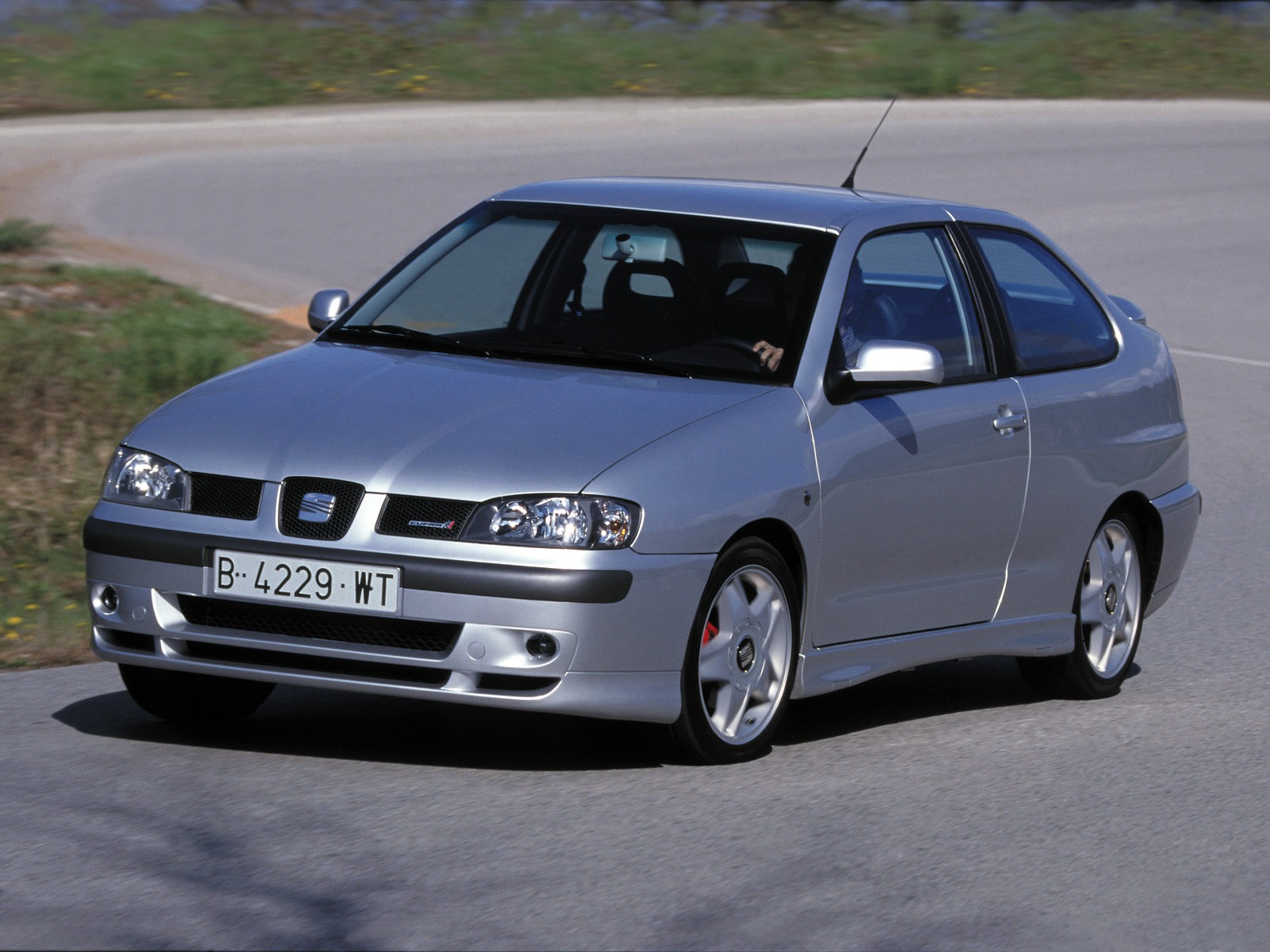 seat cordoba cupra specs photos 2000 2001 2002 2003 autoevolution. Black Bedroom Furniture Sets. Home Design Ideas