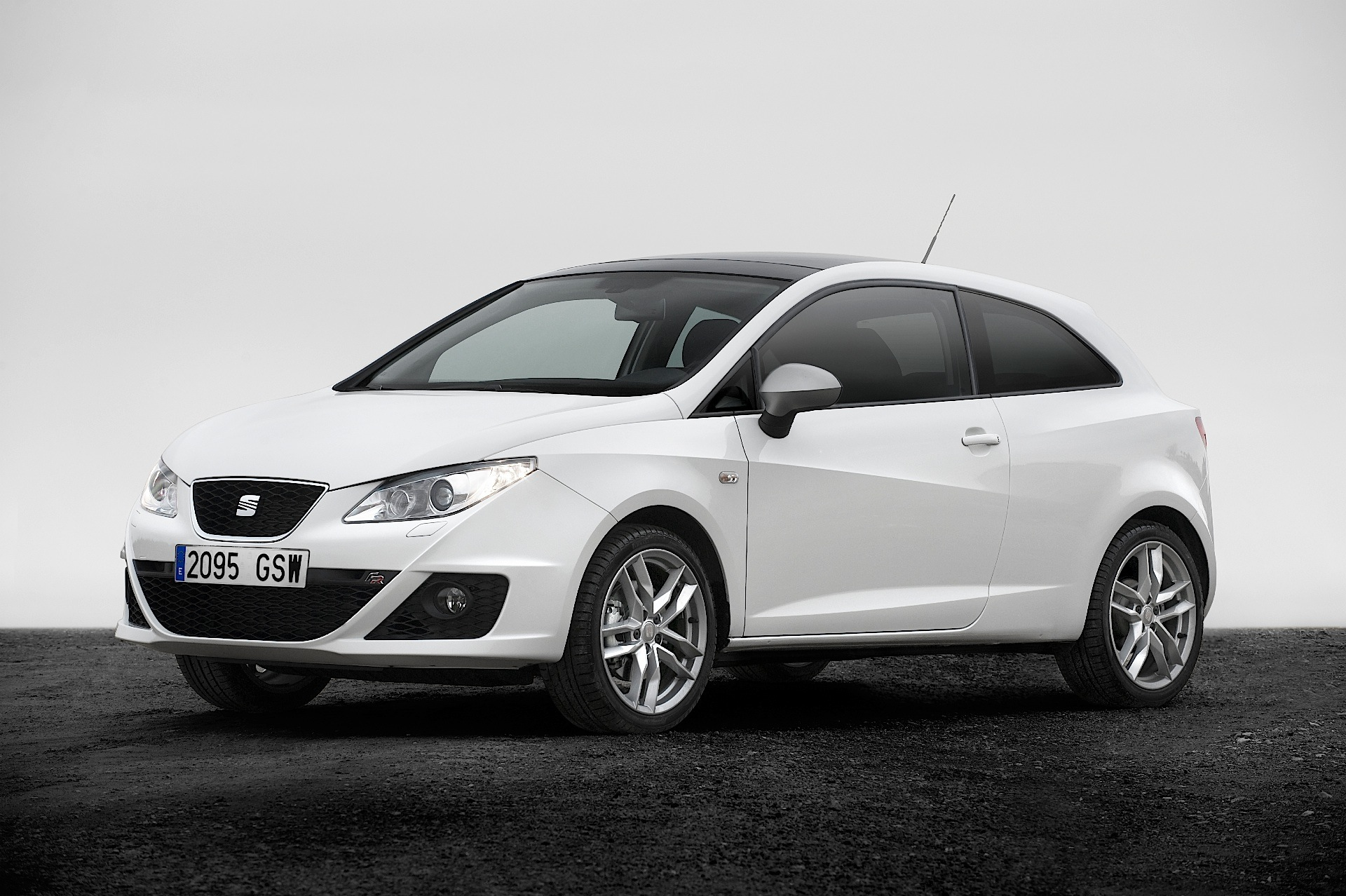 seat ibiza fr sport coupe sc specs photos 2009 2010. Black Bedroom Furniture Sets. Home Design Ideas
