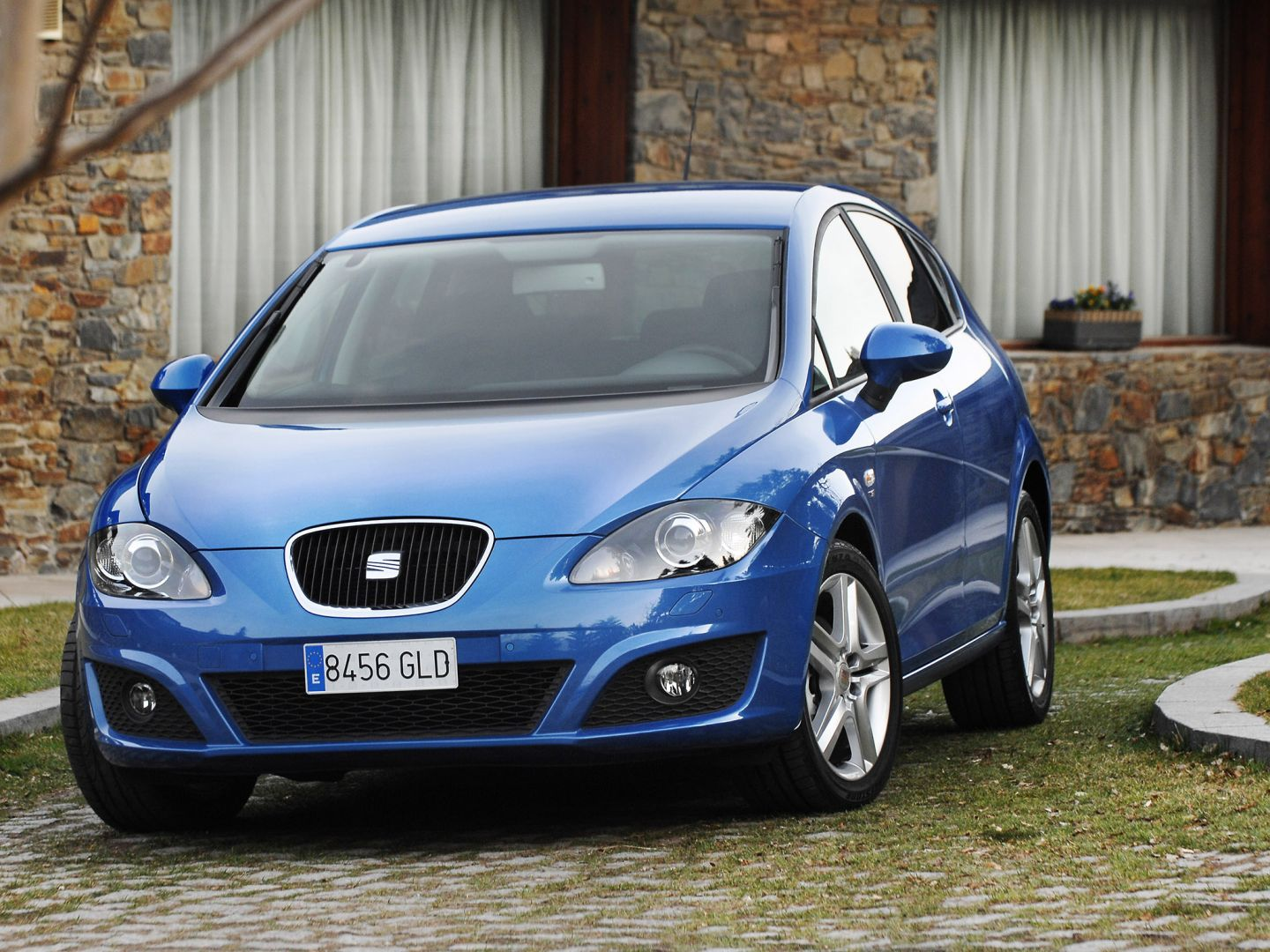 seat leon 2009 2010 2011 2012 autoevolution. Black Bedroom Furniture Sets. Home Design Ideas