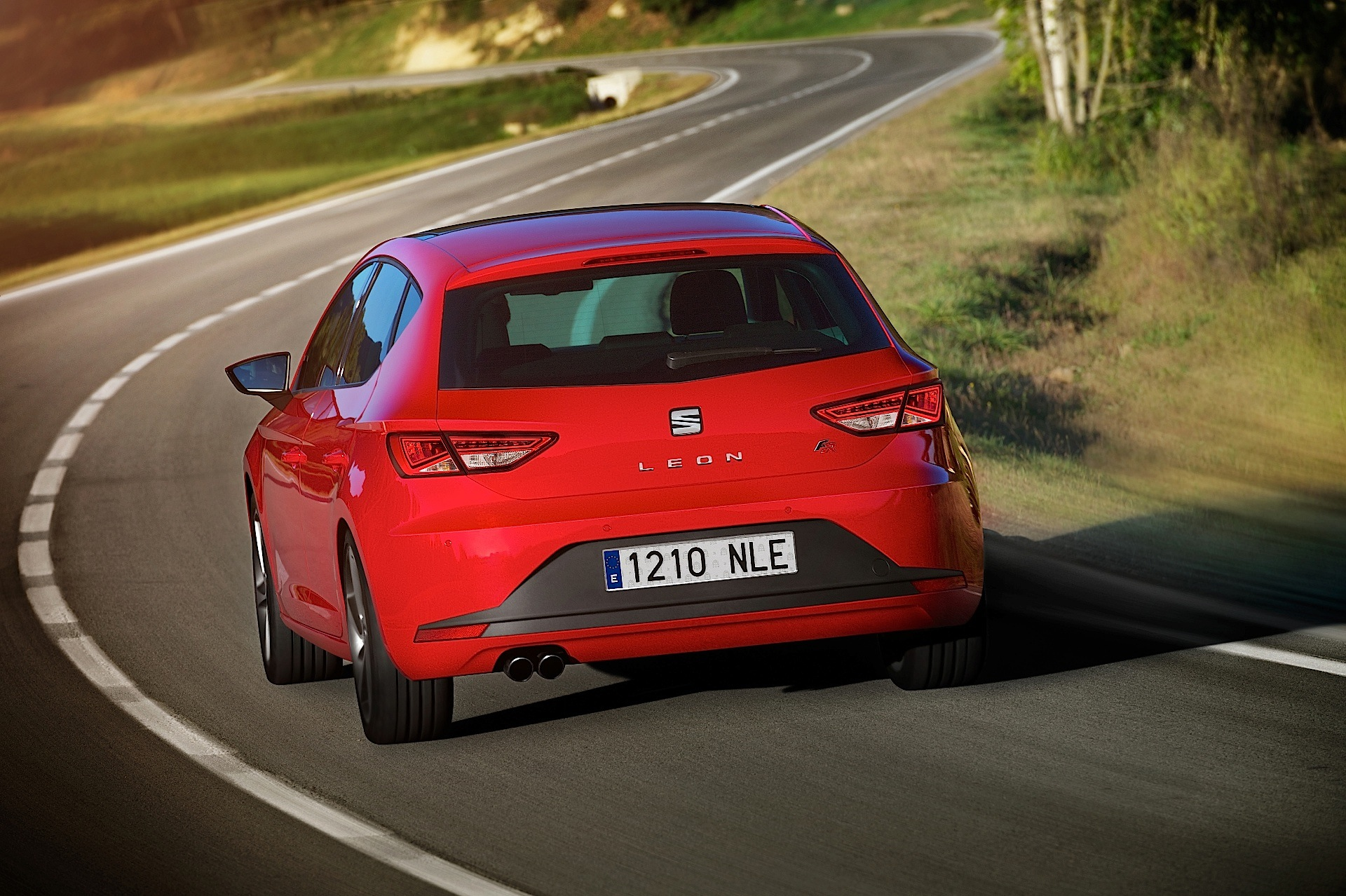 seat leon 5 doors specs 2012 2013 2014 2015 2016 2017 2018 autoevolution. Black Bedroom Furniture Sets. Home Design Ideas