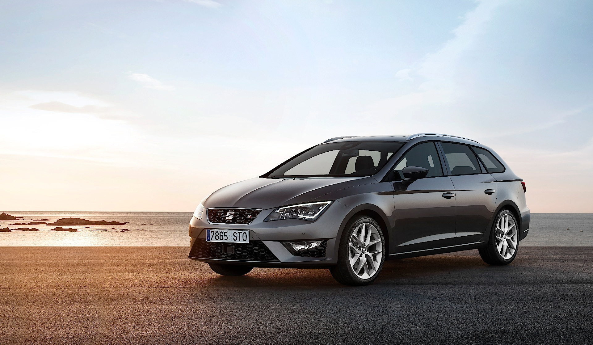 seat leon st estate 2013 2014 2015 2016 autoevolution. Black Bedroom Furniture Sets. Home Design Ideas
