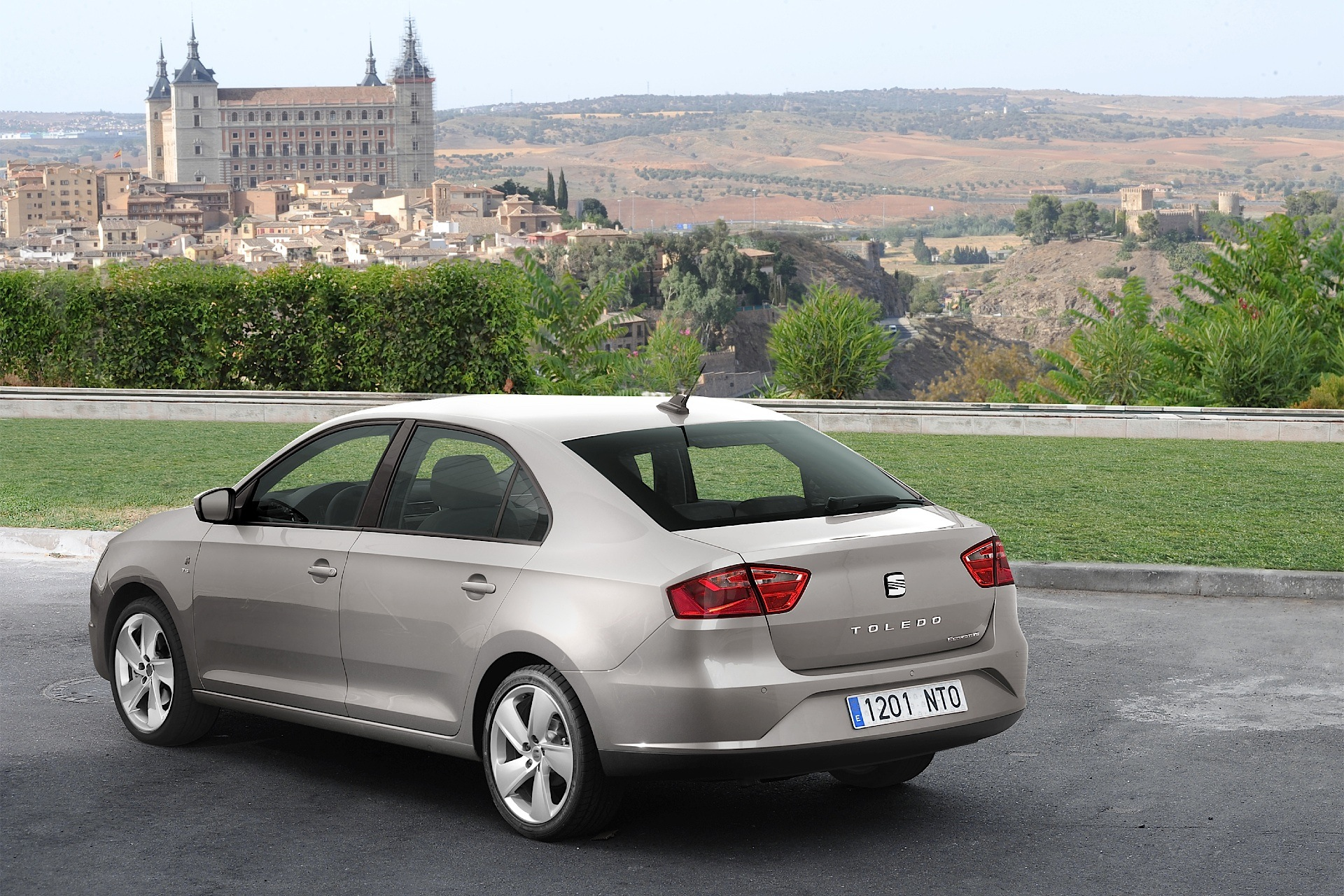 seat toledo specs photos 2012 2013 2014 2015 2016 2017 2018 autoevolution. Black Bedroom Furniture Sets. Home Design Ideas