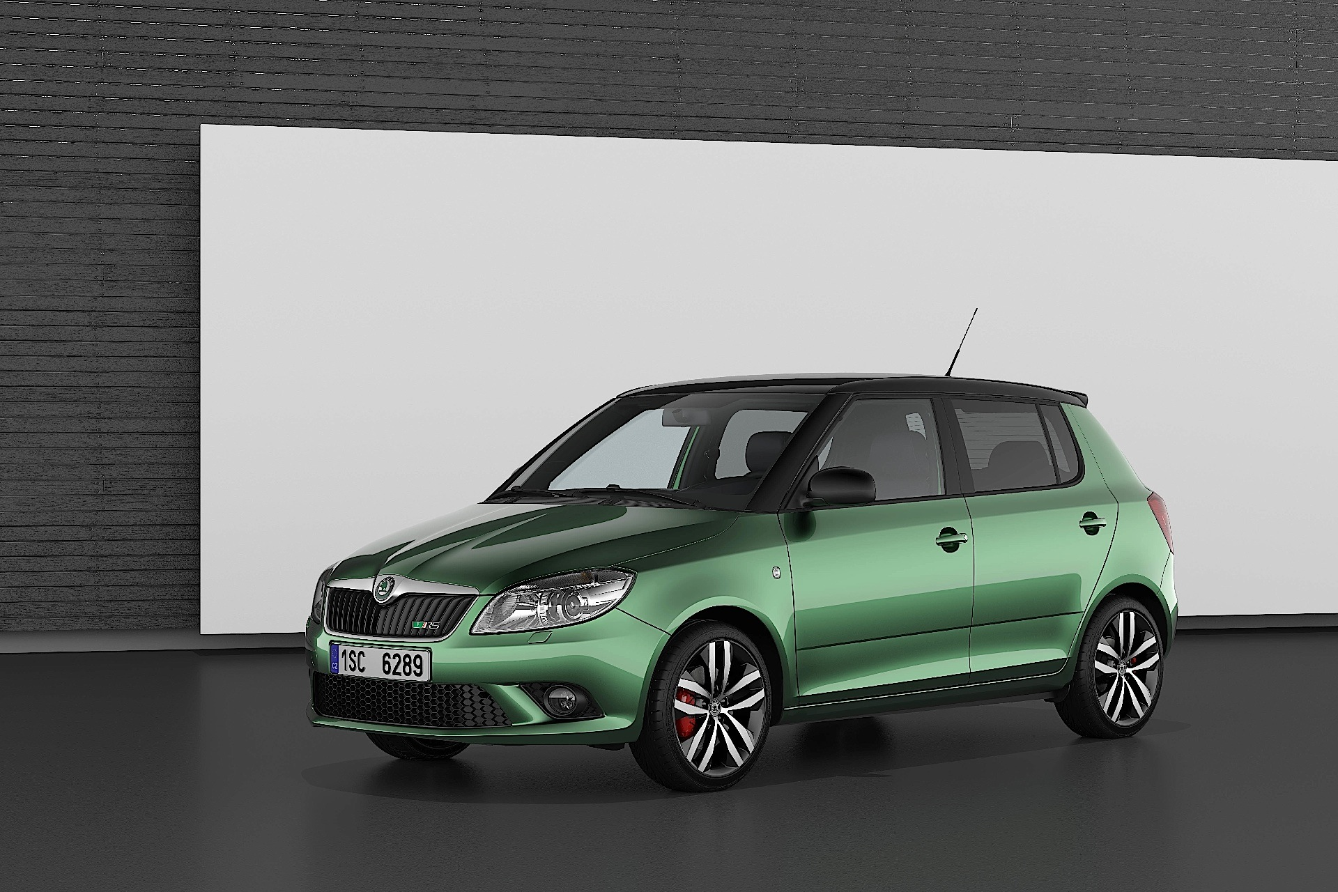skoda fabia rs specs 2010 2011 2012 2013 2014 autoevolution. Black Bedroom Furniture Sets. Home Design Ideas