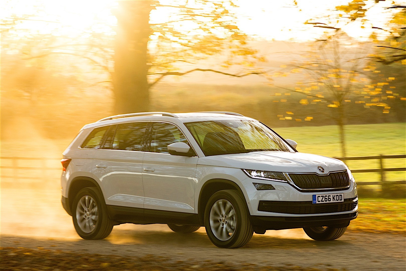 skoda kodiaq specs 2016 2017 2018 autoevolution. Black Bedroom Furniture Sets. Home Design Ideas