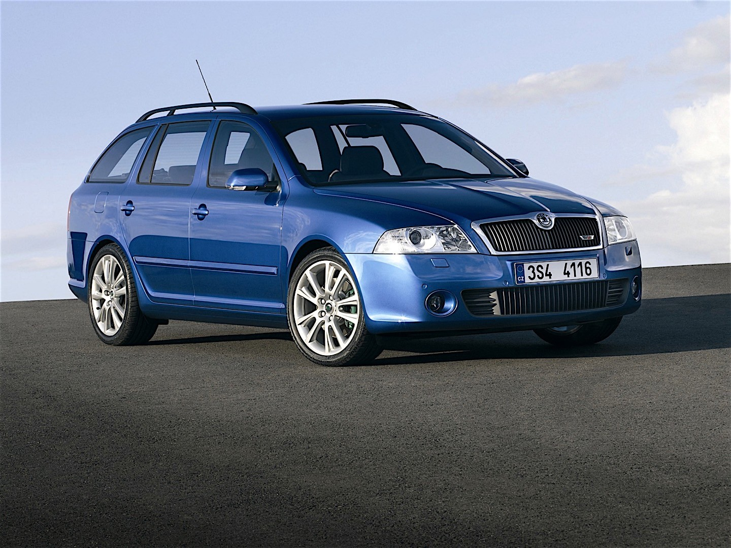skoda octavia ii combi rs specs photos 2005 2006. Black Bedroom Furniture Sets. Home Design Ideas