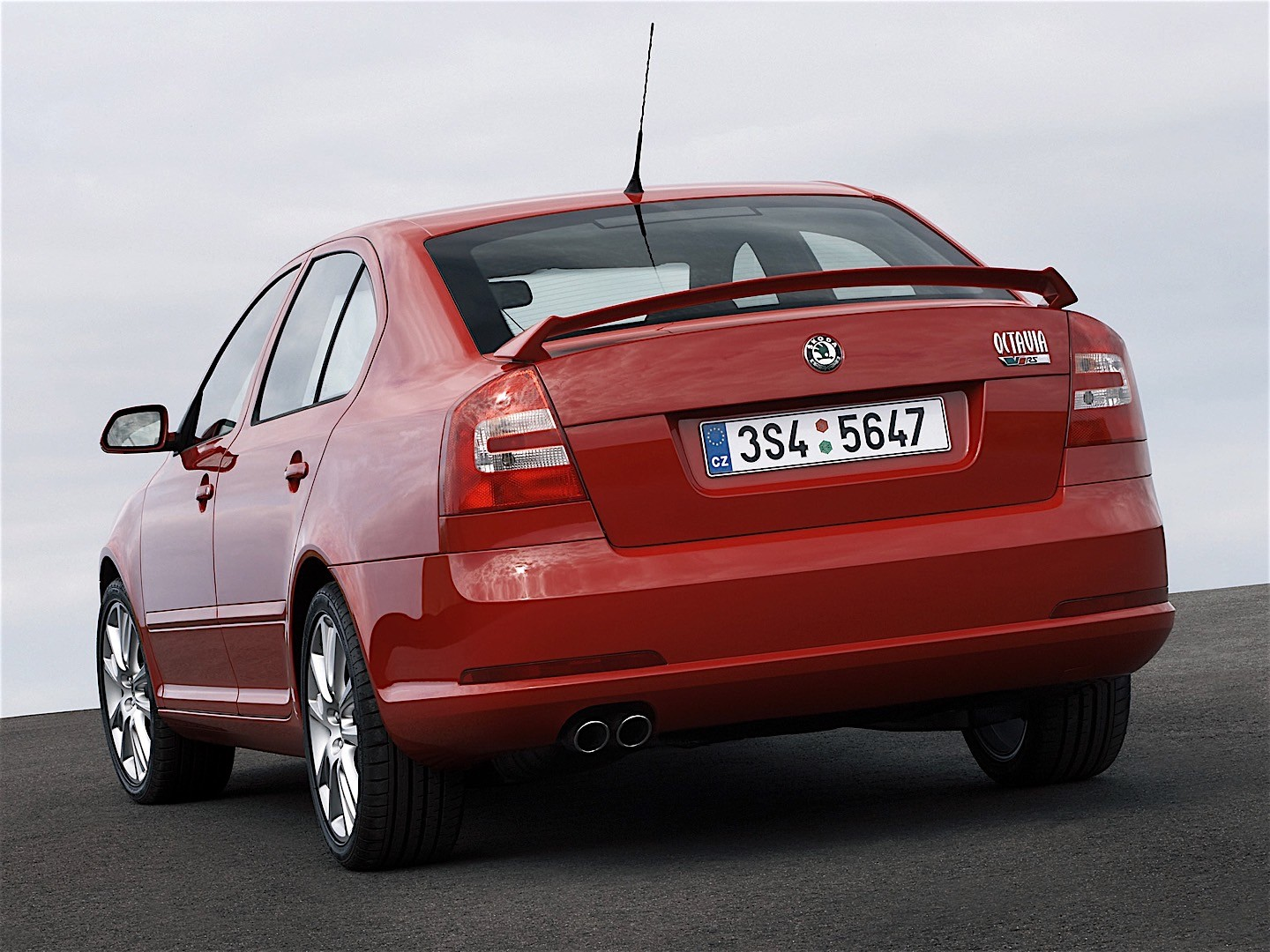 skoda octavia ii rs specs photos 2005 2006 2007. Black Bedroom Furniture Sets. Home Design Ideas