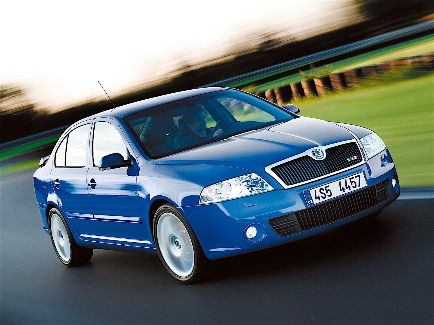 skoda octavia ii rs specs 2005 2006 2007 2008 autoevolution. Black Bedroom Furniture Sets. Home Design Ideas