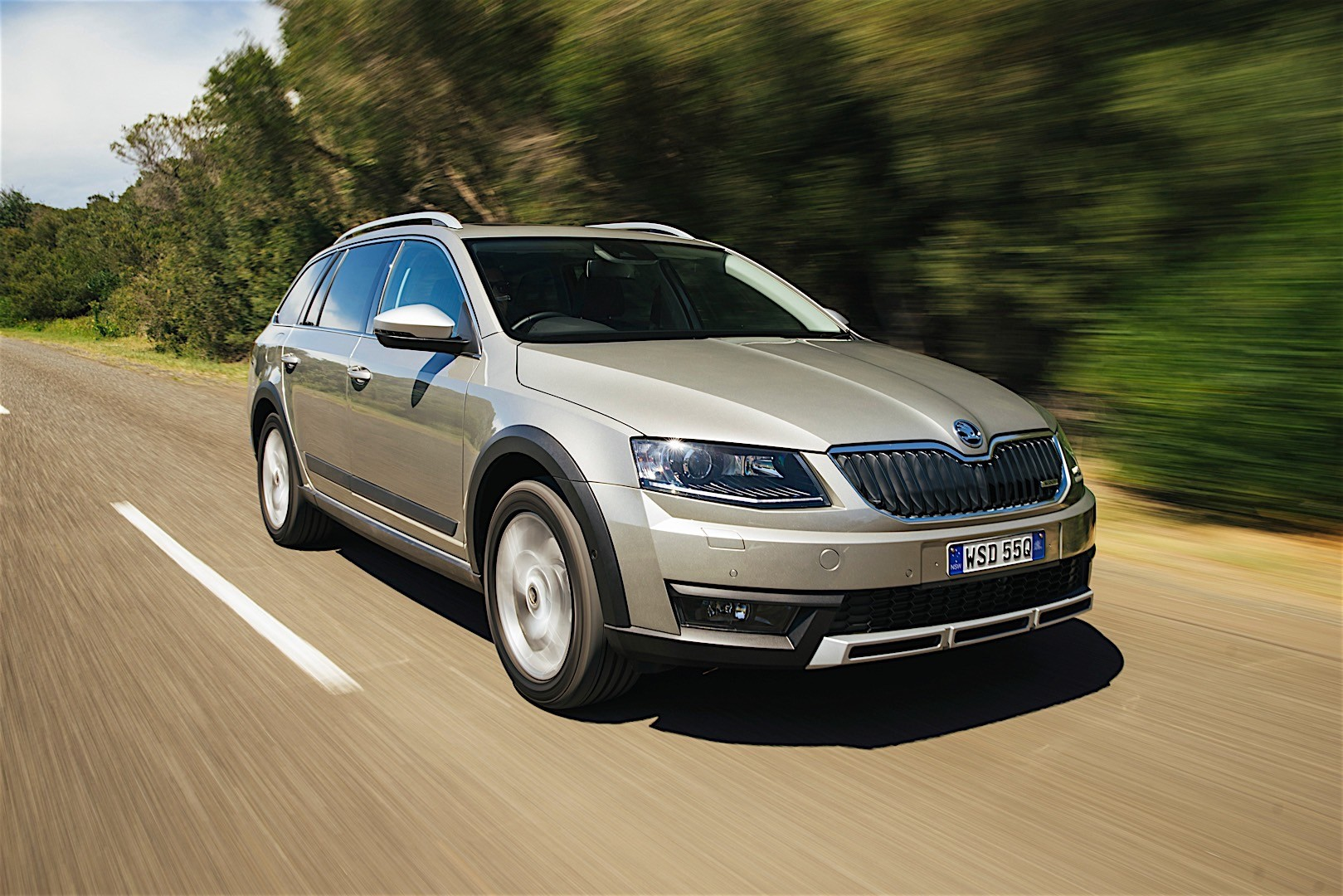 skoda octavia scout specs 2015 2016 2017 2018 autoevolution. Black Bedroom Furniture Sets. Home Design Ideas