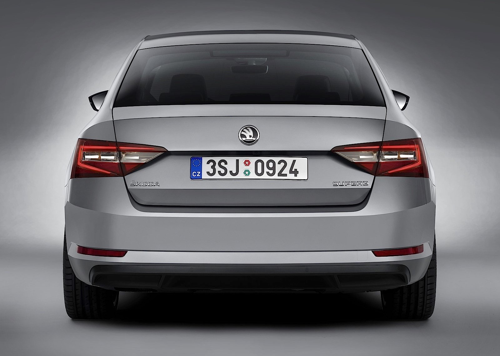 skoda superb specs 2015 2016 2017 2018 autoevolution. Black Bedroom Furniture Sets. Home Design Ideas