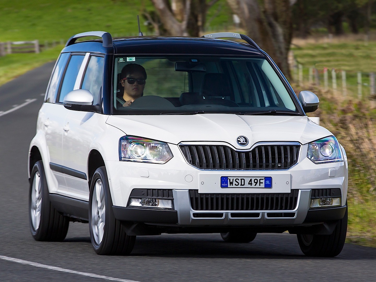 skoda yeti specs amp photos 2013 2014 2015 2016 2017
