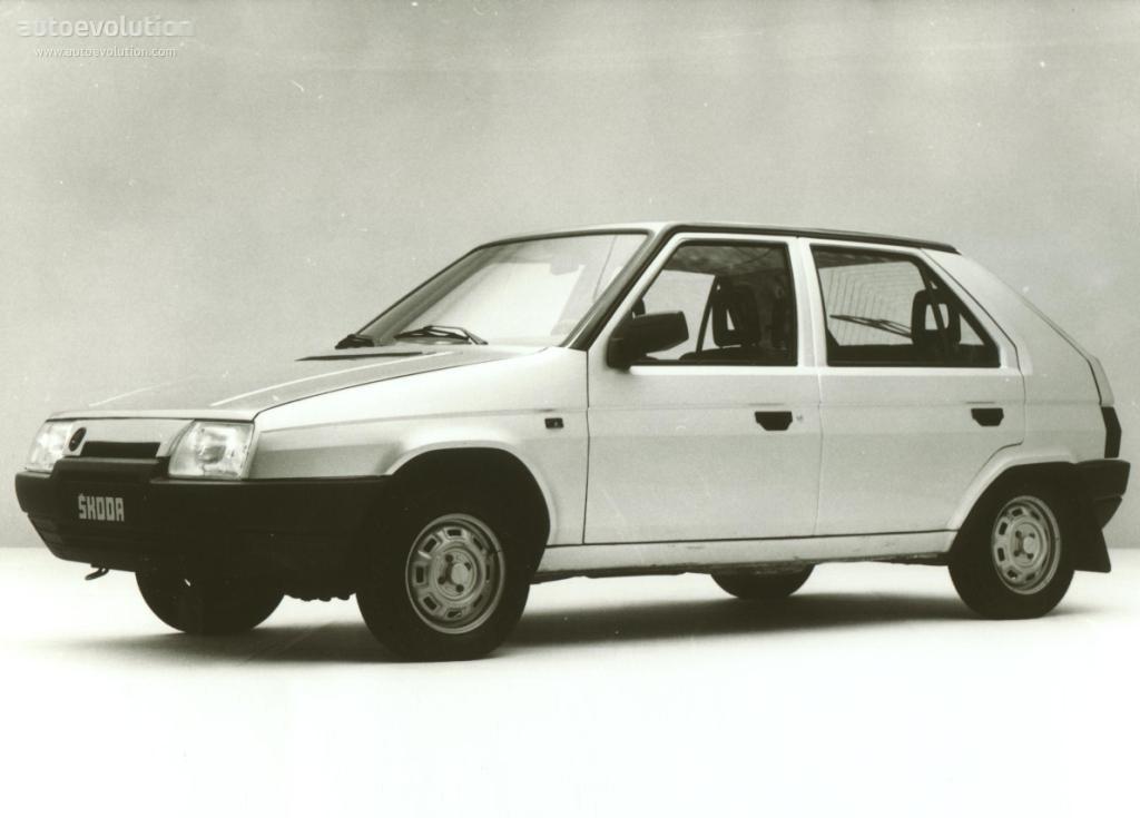 Skodafavorit on 1989 Dodge Pickup