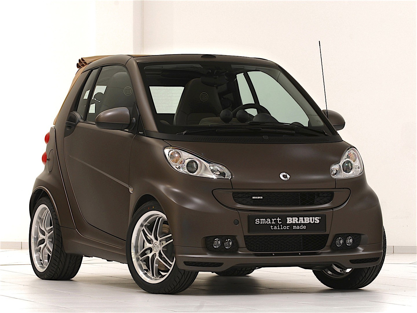smart fortwo cabrio brabus 2007 2008 2009 2010 2011 2012 autoevolution. Black Bedroom Furniture Sets. Home Design Ideas