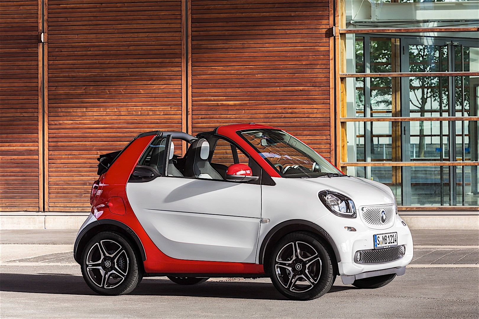 smart fortwo cabrio specs 2016 2017 2018 autoevolution. Black Bedroom Furniture Sets. Home Design Ideas