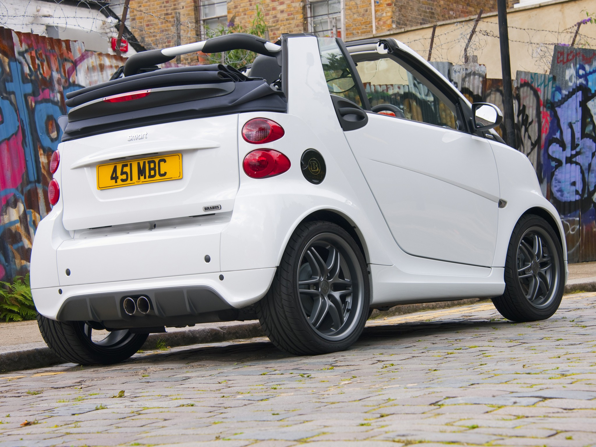 smart fortwo cabrio brabus 2012 2013 2014 2015 2016. Black Bedroom Furniture Sets. Home Design Ideas