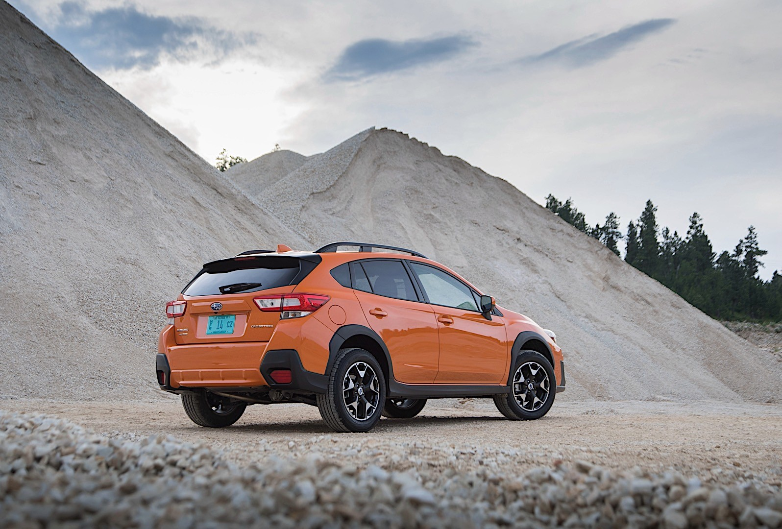 subaru crosstrek specs 2017 autoevolution. Black Bedroom Furniture Sets. Home Design Ideas