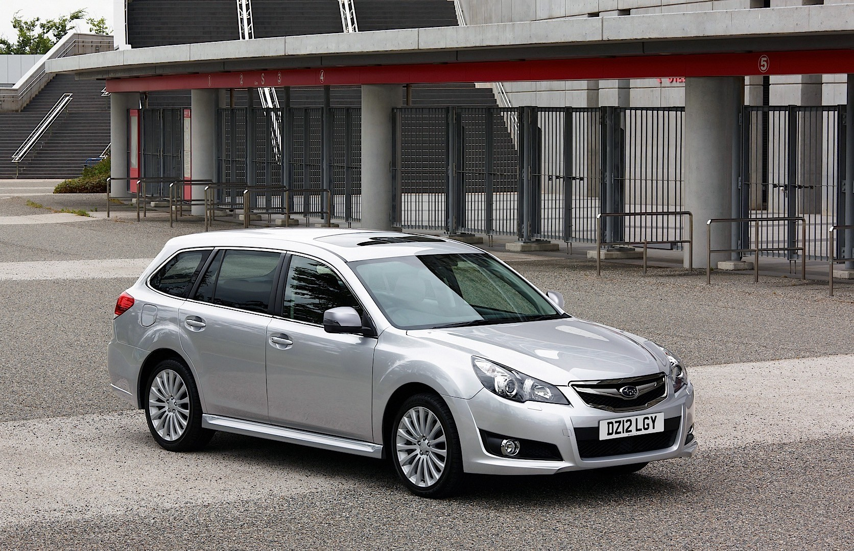 Subaru legacy wagon specs 2009 2010 2011 2012 2013 2014 2015 2016 2017 autoevolution