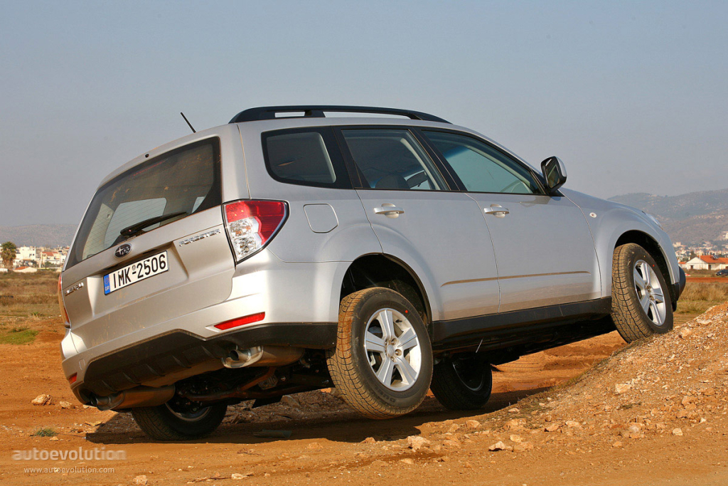 subaru forester 2008 roof iihs test strength rating gets autoevolution 2009 specs subaruforester cars