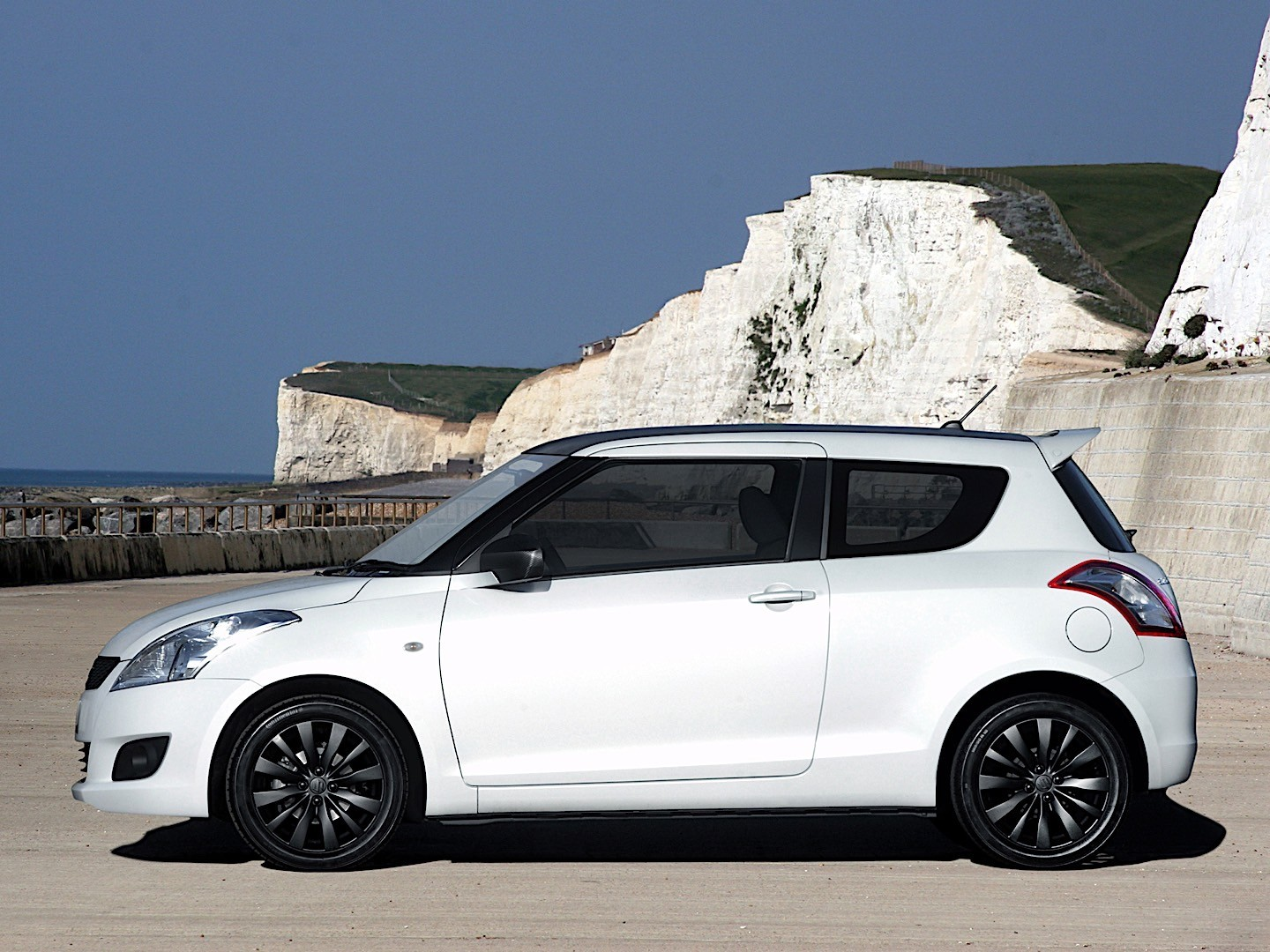 SUZUKI Swift 3 Doors - 2010, 2011, 2012, 2013 - autoevolution