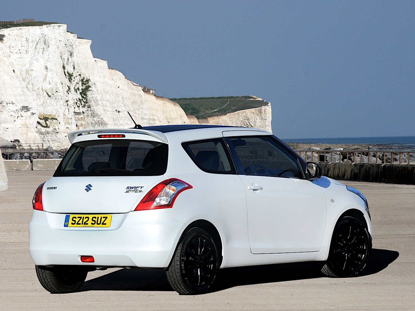 SUZUKI Swift 3 Doors specs - 2010, 2011, 2012, 2013, 2014 ...