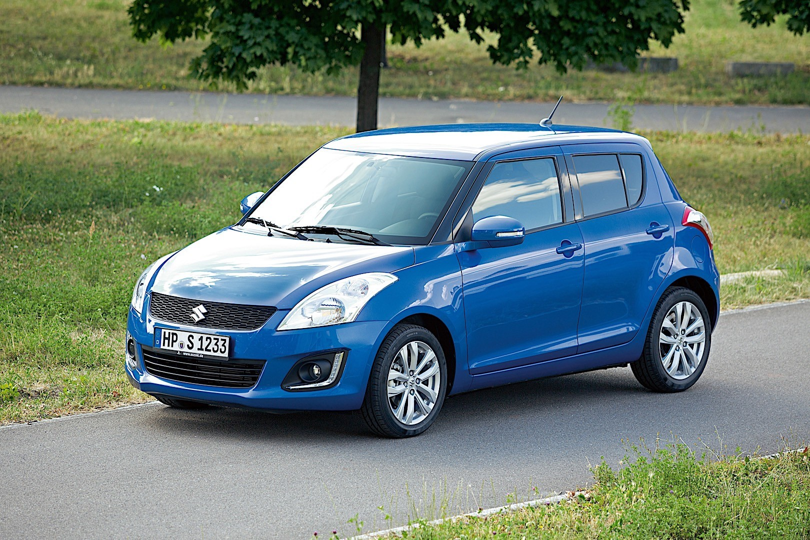 SUZUKI Swift 5 Doors specs & photos - 2014, 2015, 2016, 2017