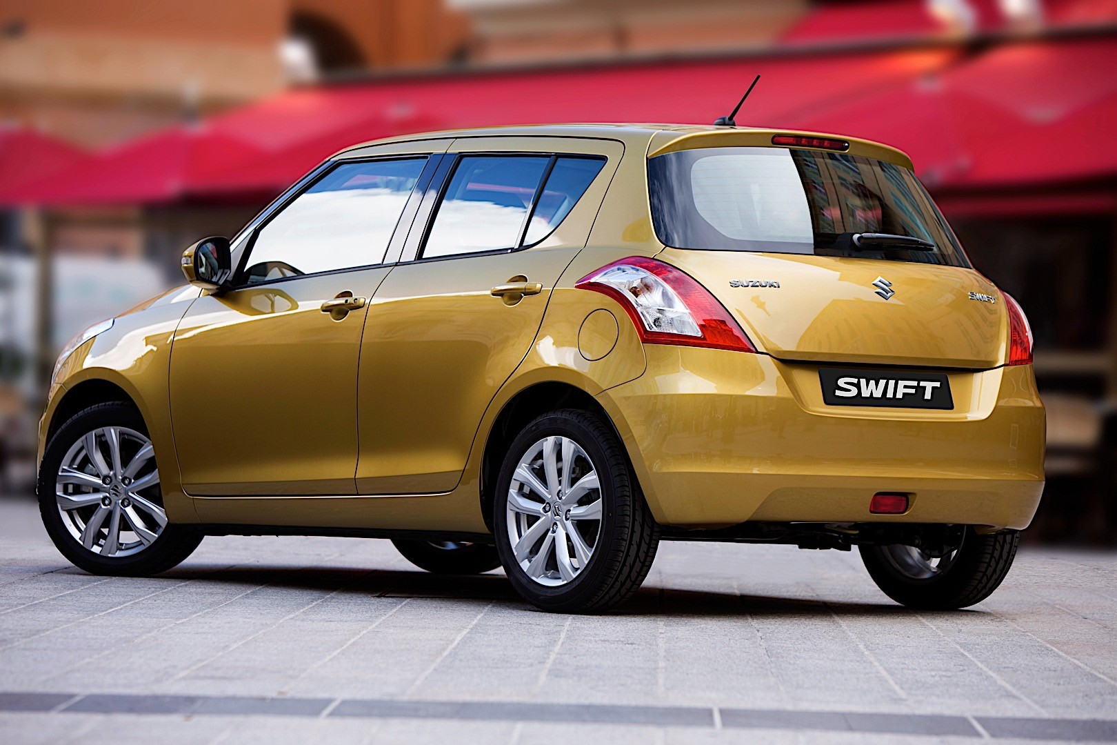 suzuki swift 5 doors specs 2014 2015 2016 2017 autoevolution. Black Bedroom Furniture Sets. Home Design Ideas