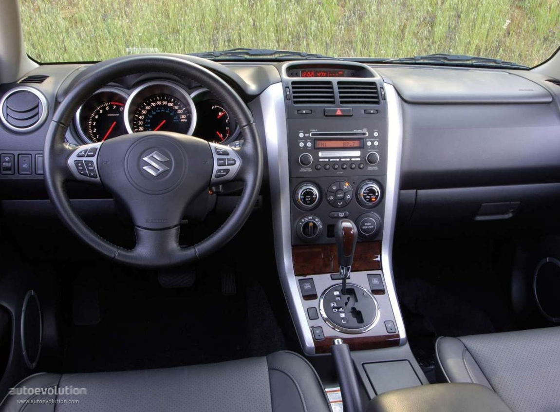Suzukiescudo Grandvitara Doors on 2005 Suzuki Grand Vitara