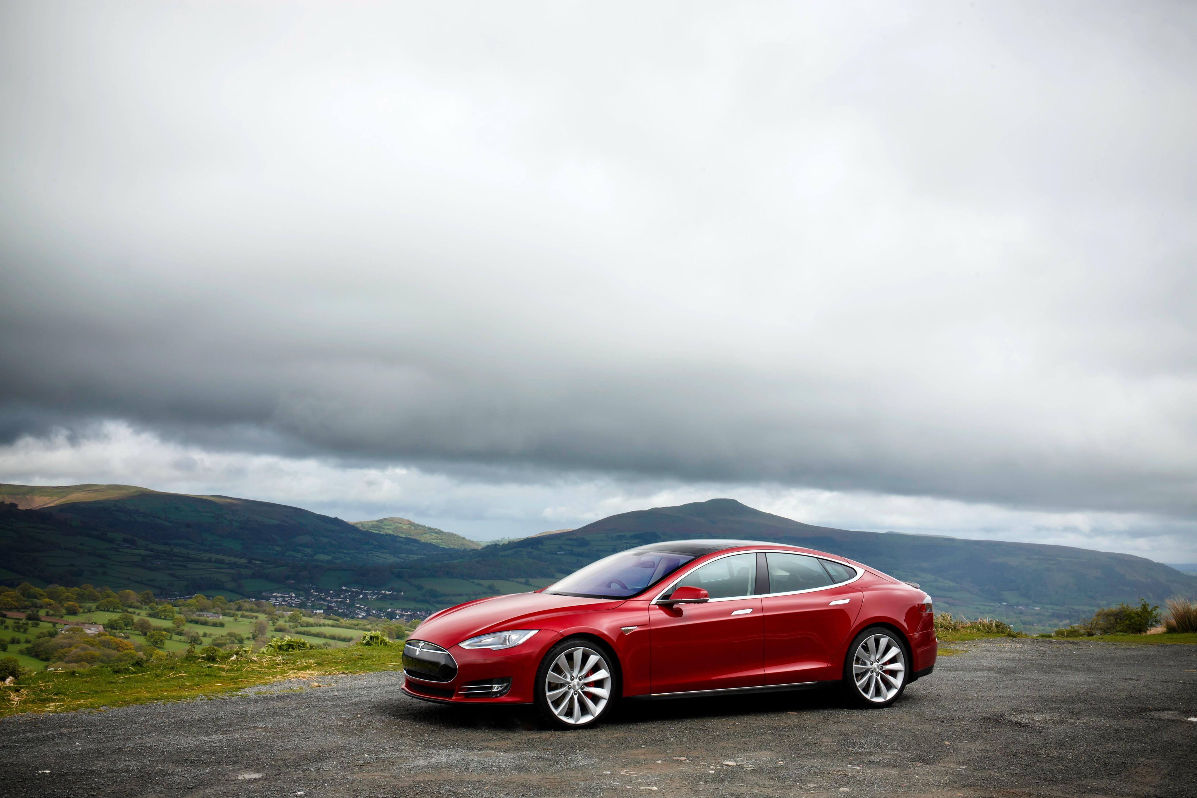 Tesla Motors Model S Specs Amp Photos 2012 2013 2014