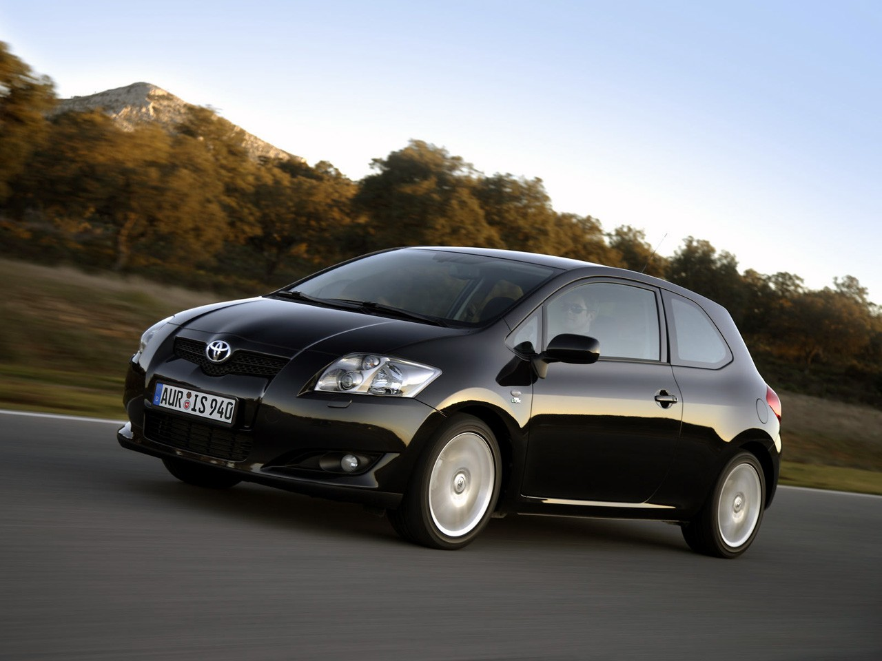 toyota auris 3 doors specs 2006 2007 2008 2009 2010. Black Bedroom Furniture Sets. Home Design Ideas