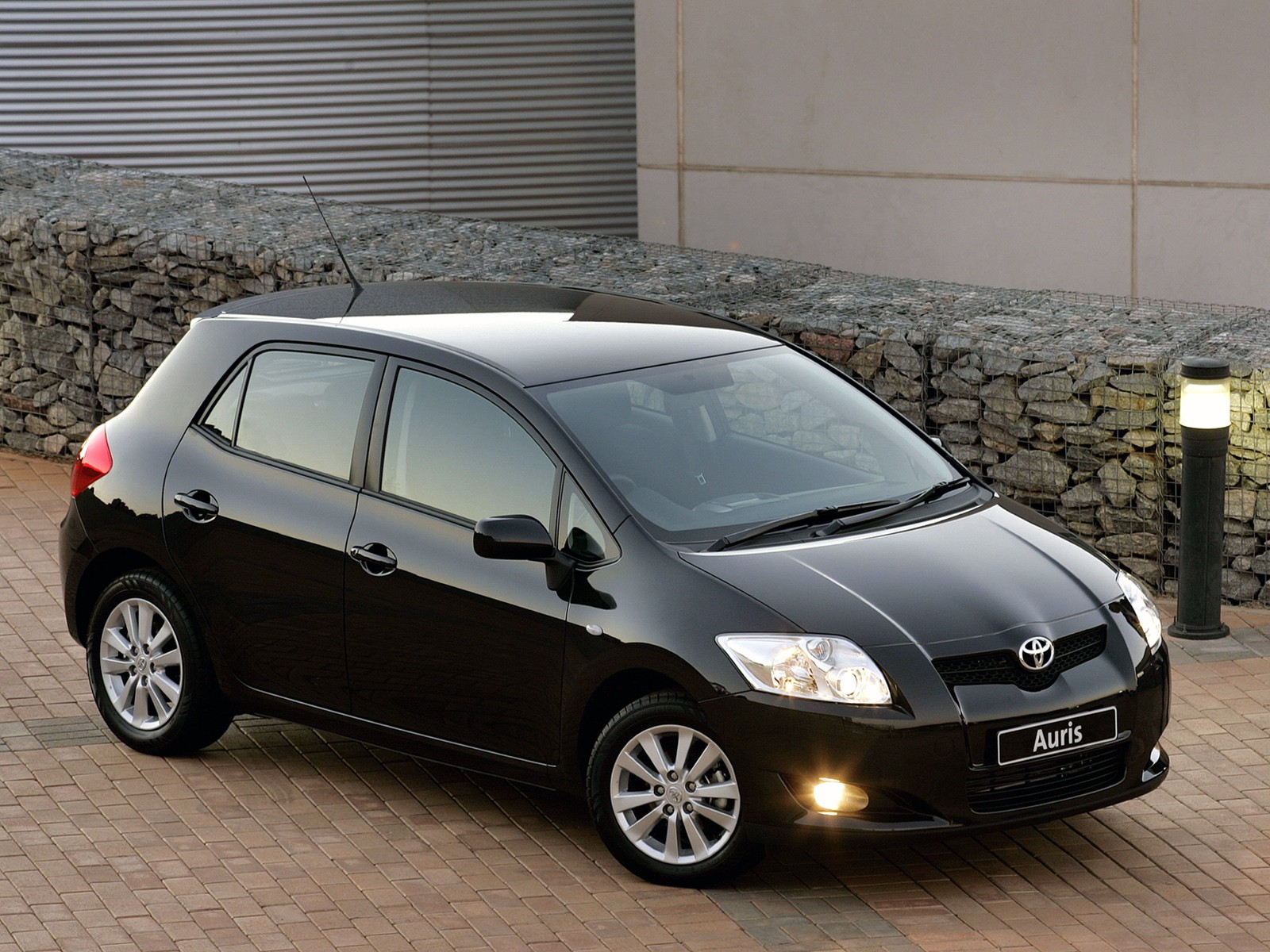 toyota auris 5 doors specs 2006 2007 2008 2009 2010 autoevolution. Black Bedroom Furniture Sets. Home Design Ideas