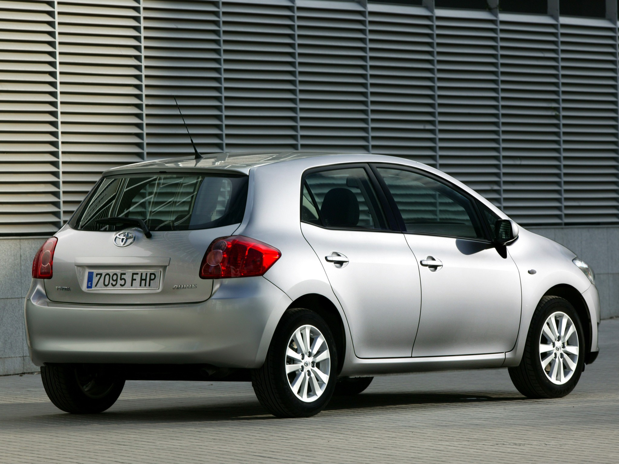 Toyota Auris Diesel 2016 >> TOYOTA Auris 5 Doors specs & photos - 2006, 2007, 2008, 2009, 2010 - autoevolution
